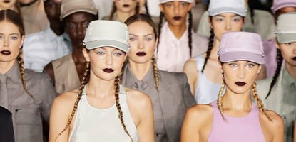 Как сочетать модные цвета 2020 года для создания неповторимых образов